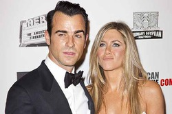 Энистон отказалась делиться с будущим мужем $110 миллионами