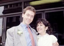 Хью Лори с женой Джо Грин фото