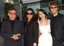 Робин Уильямс со второй женой Маршей и детьми фото