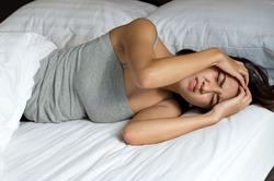 Люди, засыпающие дольше 14 минут, страдают от повышенного давления