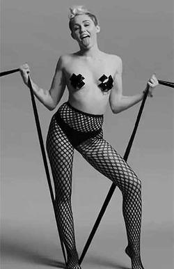 Майли Сайрус участвует в фестивале порно
