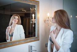 Ученые не советуют часто смотреться в зеркало