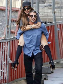 Леди Гага выходит замуж за актера Тейлора Кинни