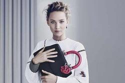 Dior позвал Дженнифер Лоуренс представлять новые сумочки