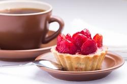 Чтобы похудеть, нужно начать обед с десерта