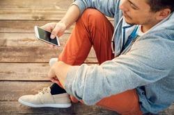 Жизнь без смартфона вызывает проблемы со здоровьем
