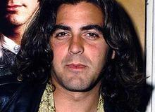 """Благодаря съемкам в """"Скорой помощи"""" Клуни избавился от локонов и получил """"путевку в жизнь"""" фото"""