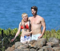 Майли Сайрус и Патрик Шварценеггер проводят время на Гавайях