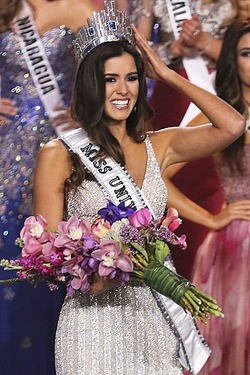 Корона «Мисс Вселенной - 2015» досталась колумбийке Паулине Вега