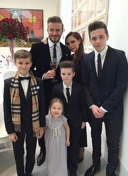 Как Виктория и Дэвид Бекхэм отметили годовщину свадьбы