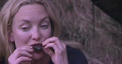Кейт Хадсон на телешоу пришлось съесть улитку, муравья и голубя