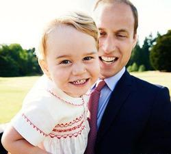 По случаю двухлетия принца Джорджа Марио Тестино сделал портрет сына Кейт Миддлтон и принца Уильяма