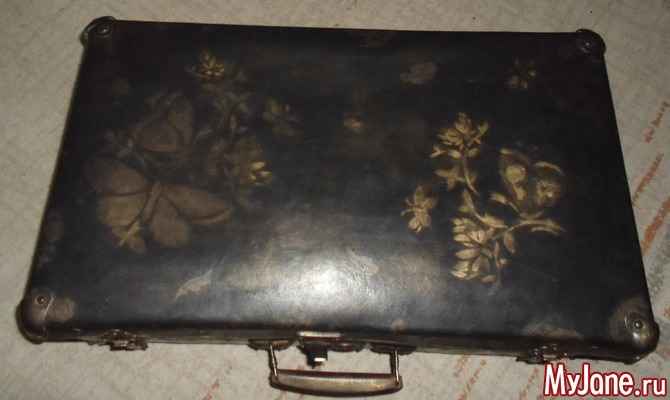 Чемодан «Золотая пыль странствий» (арт-объект из ретро-чемодана)