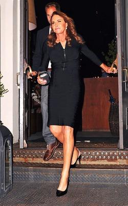Сменивший пол Брюс Дженнер одевается элегантнее экс-супруги