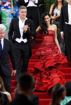 Вкус ни при чем – у Амаль Клуни дорогой стилист