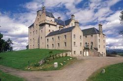 Кому живётся вольно на Руси? Чиновник из России приобрёл замок в Шотландии