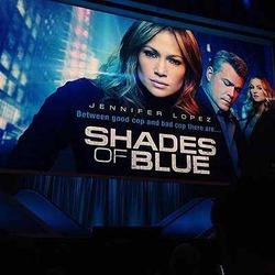 Лопес согласилась на роль в «Оттенках синего»