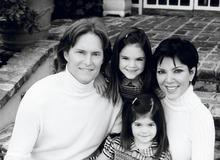 Крис и Брюс Дженнер с дочками Кайли и Кендалл фото