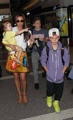 Виктория Бекхэм заявила, что четверых детей ей достаточно