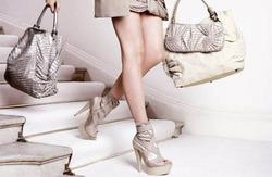 Какого цвета подобрать туфли под сумку
