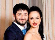 Миша Галустян с женой Викой фото
