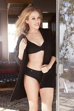 47-летняя Кайли Миноуг в рекламе нижнего белья