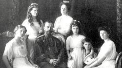 Членов семьи Романовых зовут домой, в Россию