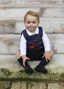 Принцу Джорджу наняли стилиста