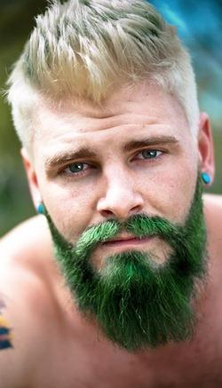 Мужчины-«русалы» на пике моды