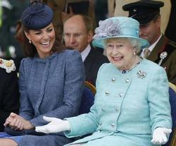 Елизавета II не пускает Кейт на обложку Vogue