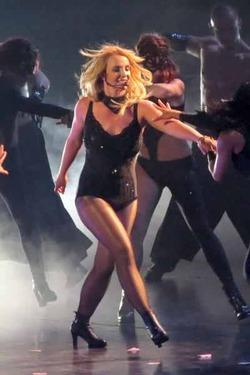 За что Бритни Спирс стоит уволить своего стилиста