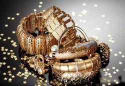Ношение золотых вещей ведёт к депрессии