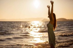 Чтобы вылечить депрессию, надо смотреть на море