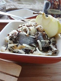 Печеная малосольная сельдь с капустой и рисом