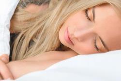 80% жителей Земли перестают дышать во время сна