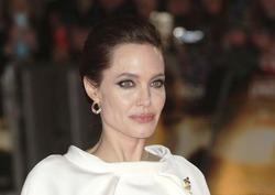 Анджелине Джоли удалили яичники и фаллопиевы трубы