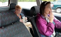 В Шотландии утвердят закон о запрете курения в машинах с детьми