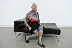 В Британии умерла самая татуированная пенсионерка