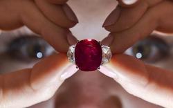 На Sotheby's продали рубин за 26,5 миллиона евро