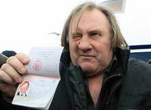 Жерар Депардье с российским паспортом фото