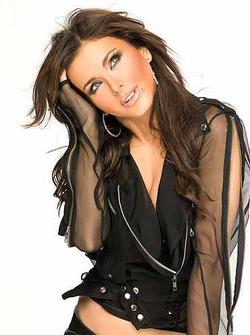 Ани Лорак стала «лучшей певицей» России