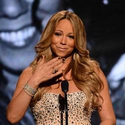 Менеджер Мэрайи Кэри: «Певица общается только с теми, кто ее хвалит»