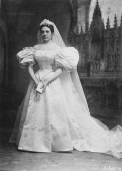 Платье как свадебная семейная традиция