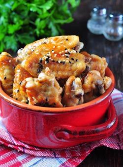 Куриные крылья в восточном стиле в кисло-сладком соевом соусе