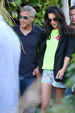 Клуни признался, что комплексует рядом с Амаль
