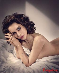 «Бурерожденную» Эмилию Кларк назвали самой сексуальной