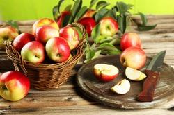Яблоки на нашем столе