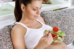 Диеты во время беременности снижают успеваемость детей