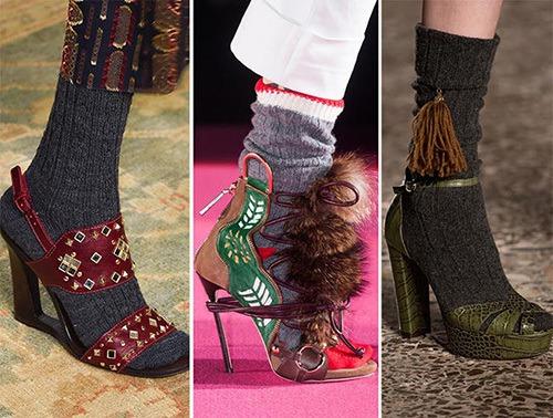 eeb12c2e1 Кстати, этой осенью и зимой нам предлагают нарушить еще одно модное  правило: носить с босоножками чулки, гольфы, носки. Еще одной новинкой  модного сезона ...