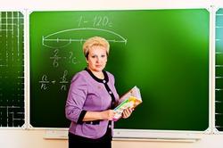 Учительский уровень: кто учит и воспитывает наших детей?